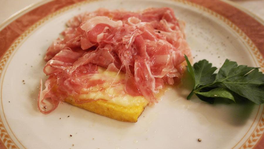 la-coutch-blog-voyage-italie-lombardie-polenta-jambonn-food-gastronomie