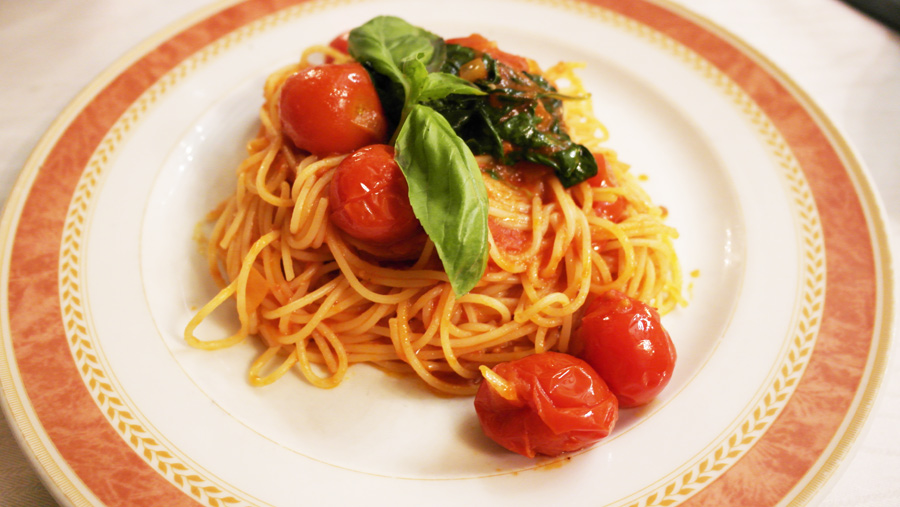 la-coutch-blog-voyage-italie-lombardie-spagetti-tomate-persil-food-gastronomie