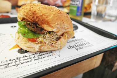 Coup de cœur pour le burger veggie de chez Hank Vegan Burger !
