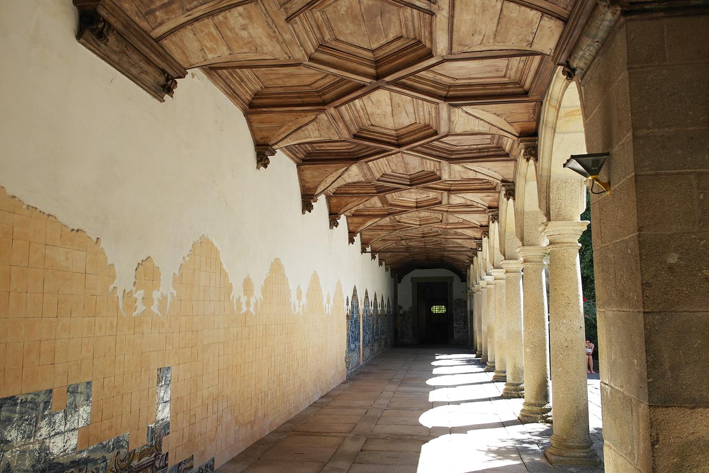 la-coutch-blog-voyage-portugal-lieu-le-plus-plaisible-monastere-sao-martinho-de-tibaes-braga20
